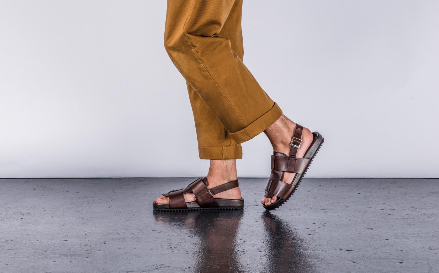 ngày nay, những đôi sandals mát mẻ và tiện lợi được săn lùng hơn bao giờ hết