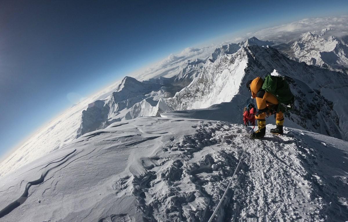 Lấy cảm hứng từ câu chuyện đồng hành cùng những nhà leo núi huyền thoại trong quá khứ.