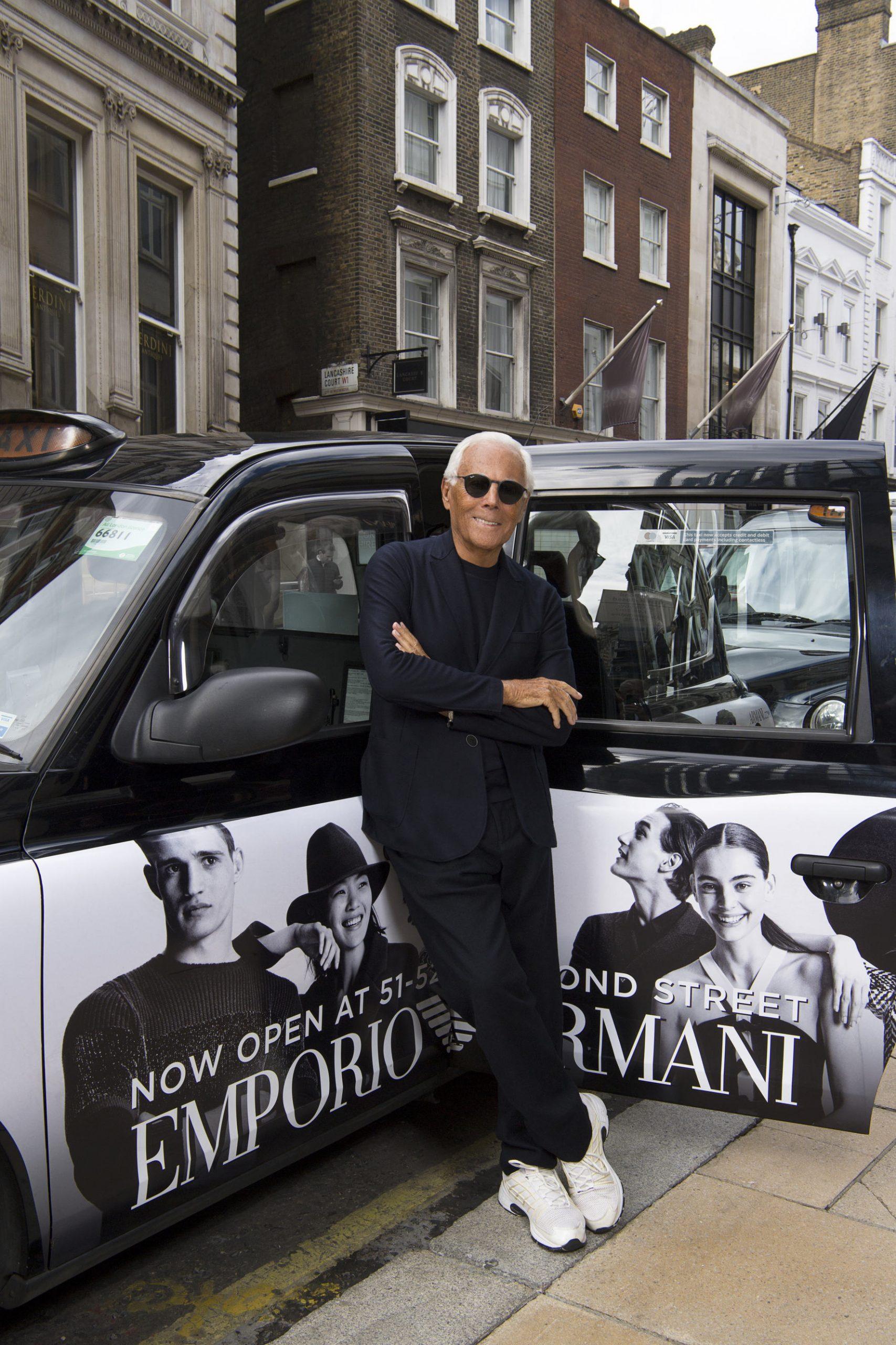 Armani đặt nền móng cho thời trang thảm đỏ khi thành lập nhà mốt mang tên mình
