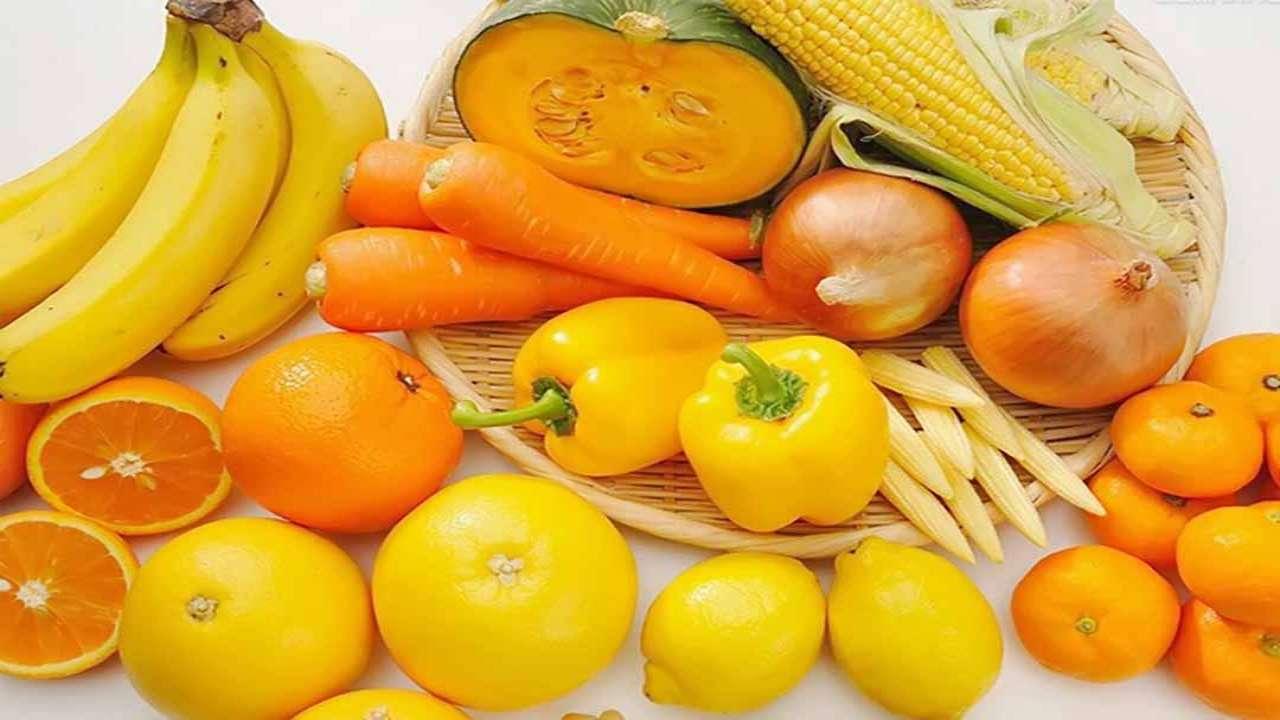 Trẻ nhỏ nên ăn các loại trái cây và rau quả có màu cam