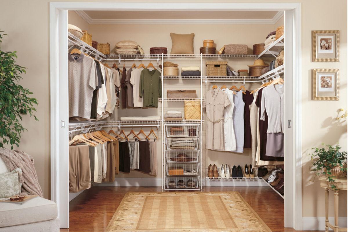 Hãy đảm bảo rằng tủ quần áo của bạn thỉnh thoảng có được một chút không khí.