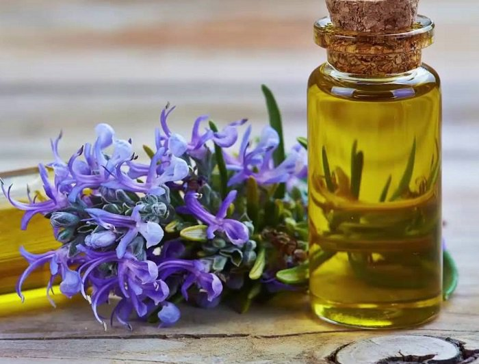 Tinh dầu lan tỏa hương thơm dể chịu, sạch sẽ