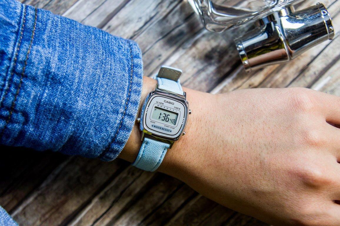 Một chiếc đồng hồ dây đeo bằng vải sẽ giúp đa dạng hóa bộ sưu tập đồng hồ của bạn