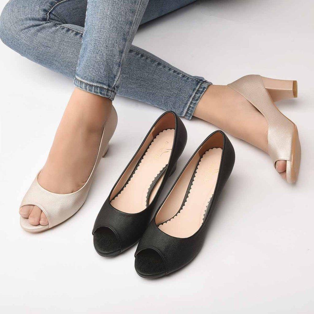 Cách chọn váy cho giày cao gót hở mũi.