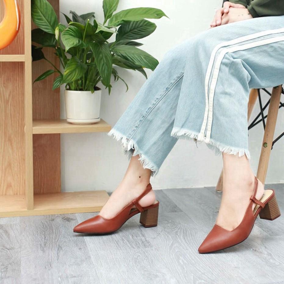 Chọn mua giày quai mảnh vắt sau gót (Slingback).