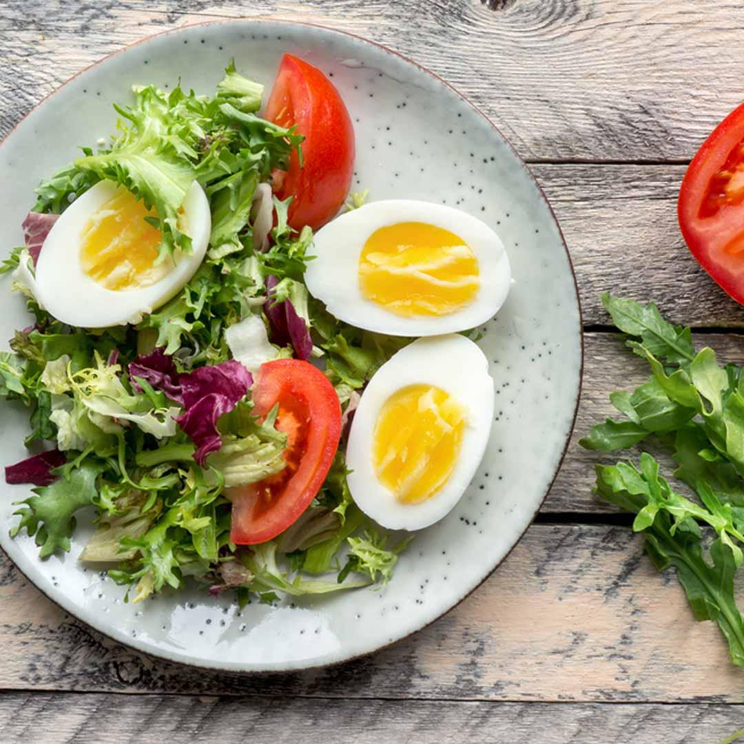 Món salad trứng trộn với mayonnaise