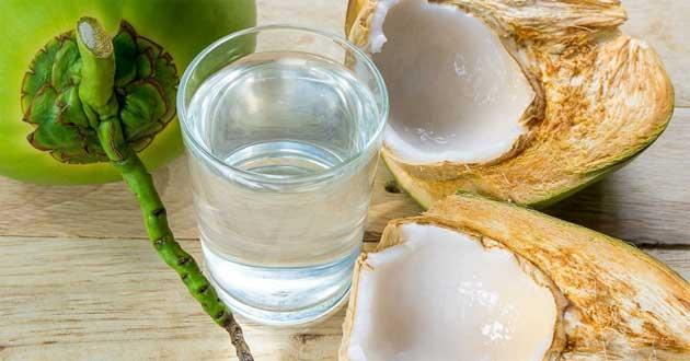 Nước dừa - thức uống được giới chạy yêu thích