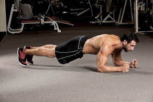 Tập cơ bụng 6 múi với động tác plank cơ bản