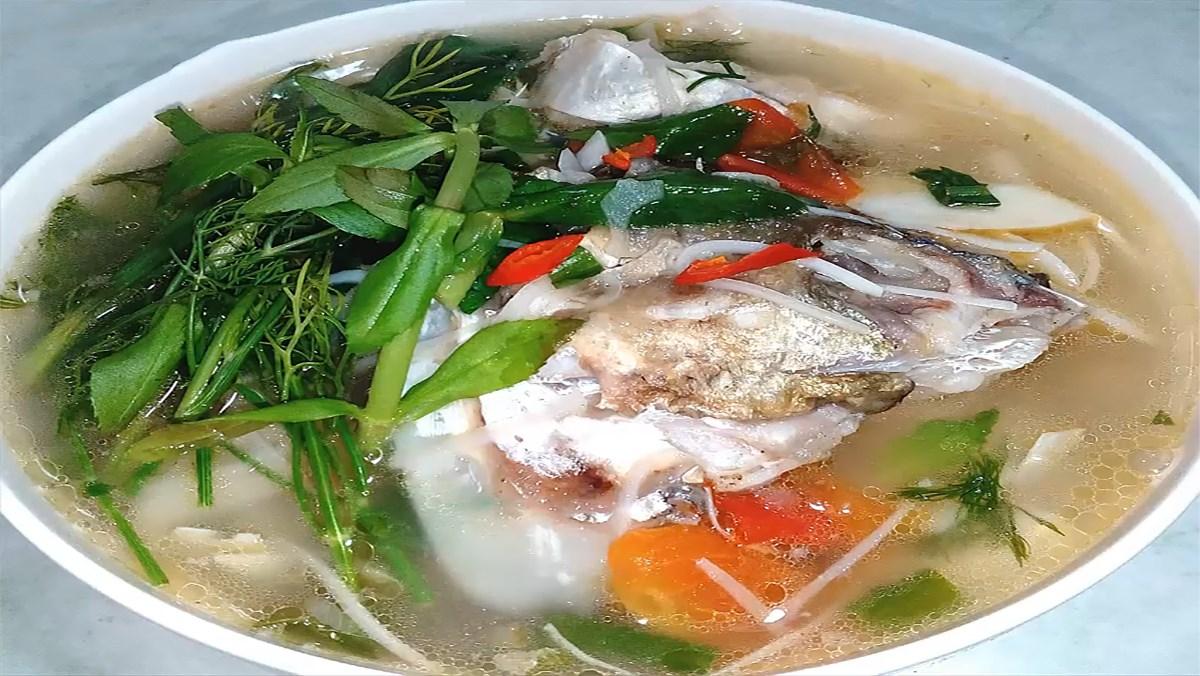 Canh cá nấu thì là
