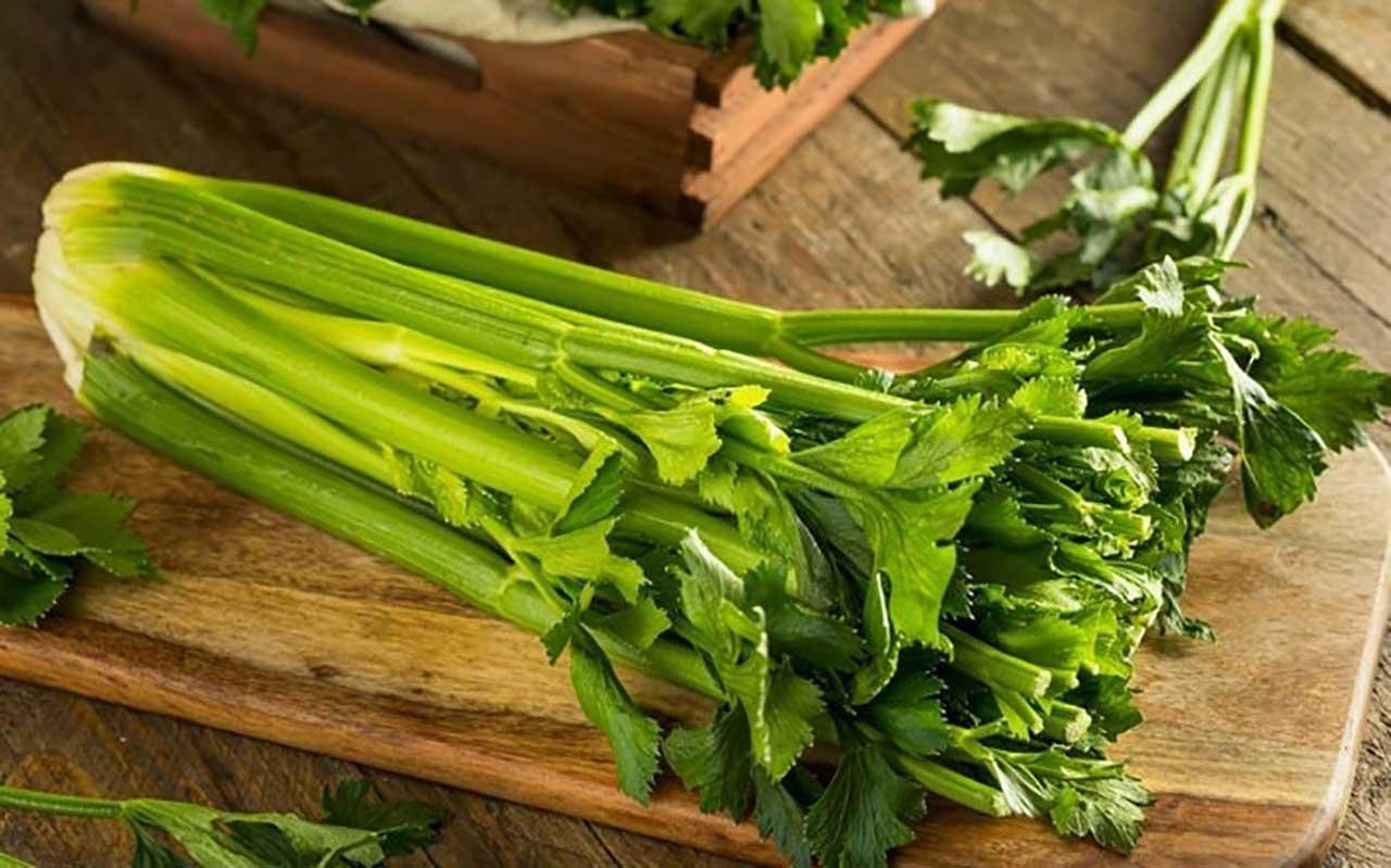 Rau cần tây và tảo ít calo giúp no lâu