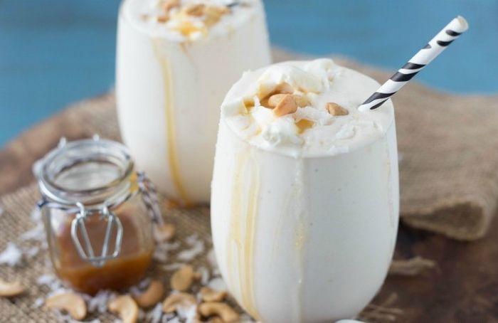 Cách làm món sinh tố vú sữa dừa