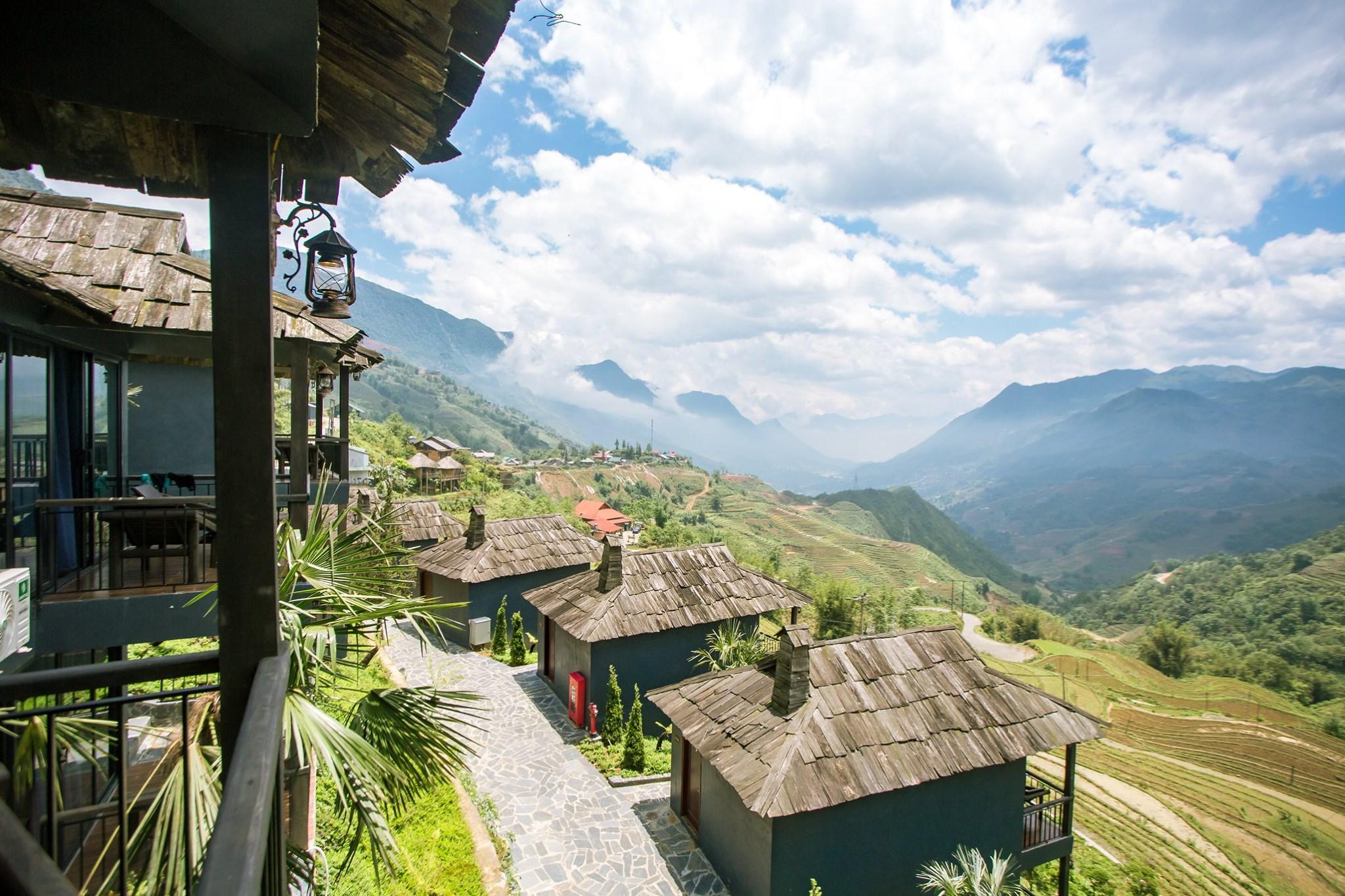 The Mong Village Sapa nằm ở đâu?