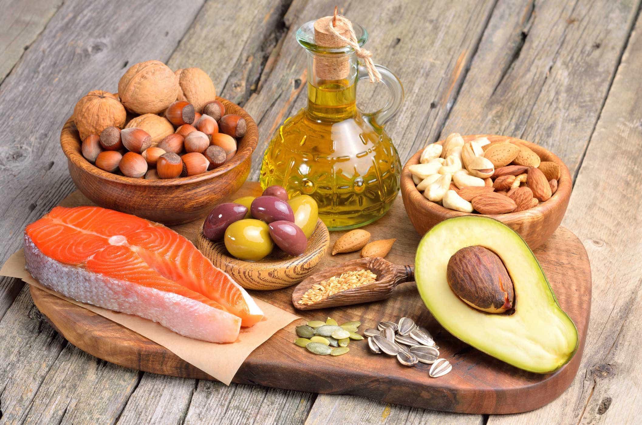 Ăn những thực phẩm có chất béo lành mạnh
