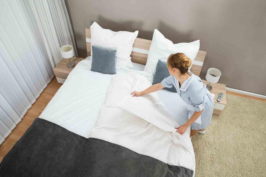 Dọn dẹp giường ngủ thường xuyên